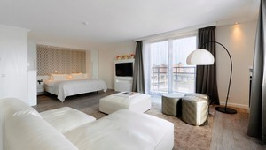 Executive Suite Blanc TheaterHotel De Oranjerie